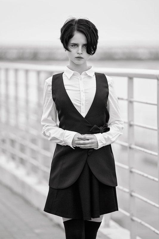 портрет девушка Последний звонокphoto preview