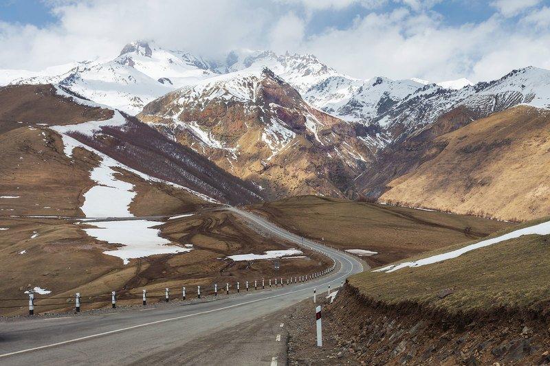 Дорога на Гергетиphoto preview