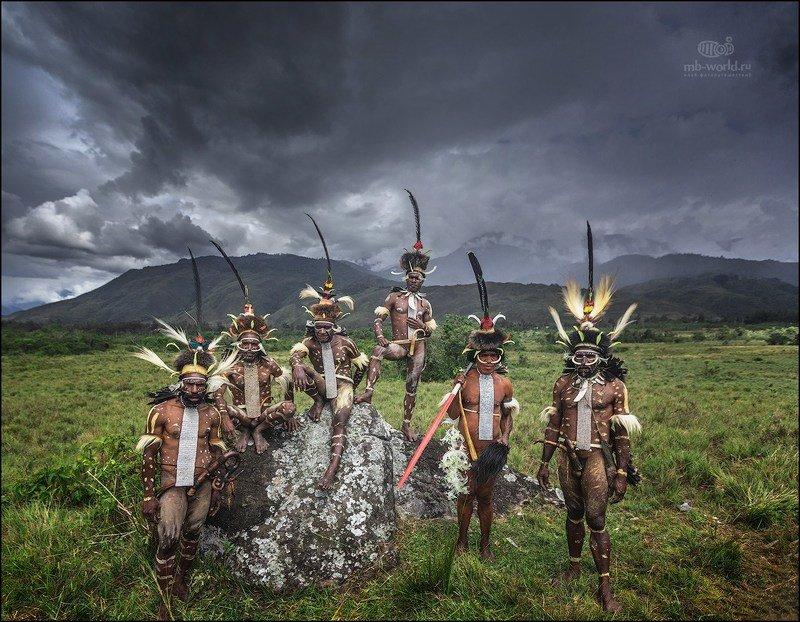 Индонезия, Западная Папуа,  Аборигены долины Балием....photo preview