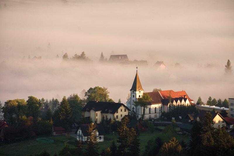 morning,mist,foggy Churchphoto preview