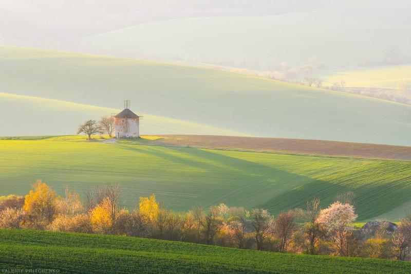 Долина одинокой мельницыphoto preview