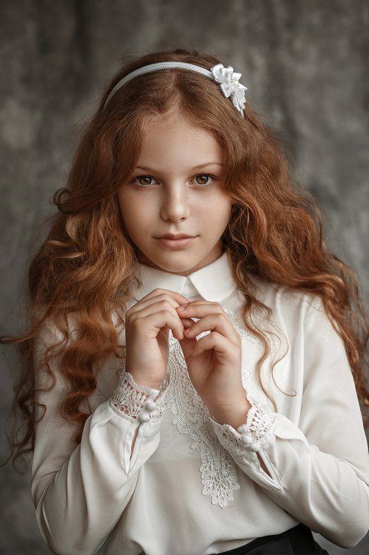 Портрет, девочка, кудряшка Машаphoto preview