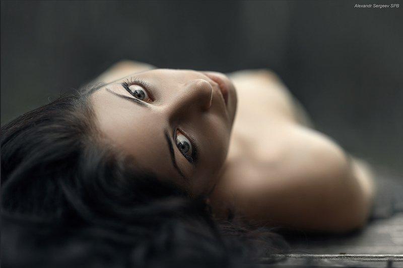 женственность,красота,чувственность,взгляд,глаза,девушка Женственностьphoto preview