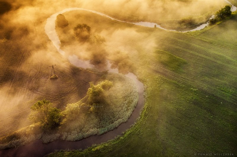 fields, drone, dji, air, poland, polish, landscape, sunrise, sunset, colours, spring, awesome, amazing, adventure, travel, beautiful, morning, fog Morning breathphoto preview