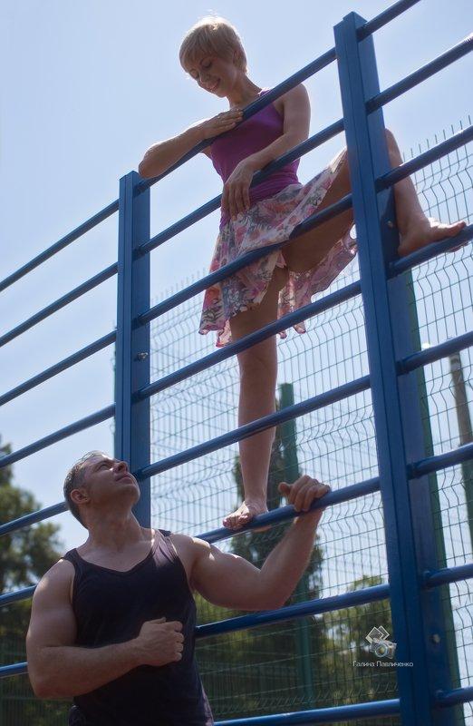 фитнес, тренировка, девушка, красивая, пара, бодибилдинг, бицепс, спортсмен, упражнения Тренировка фото превью