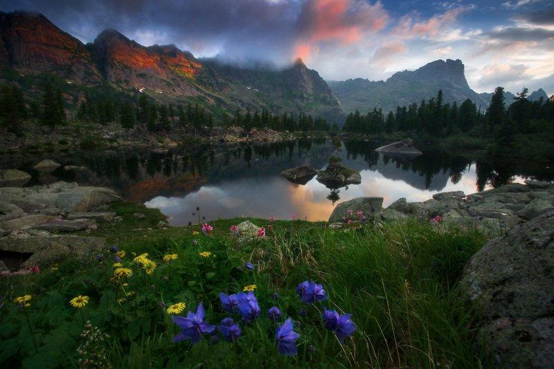 ергаки, горы, саяны, западныйсаян, сибирь, фототур Утро на озере Художников фото превью