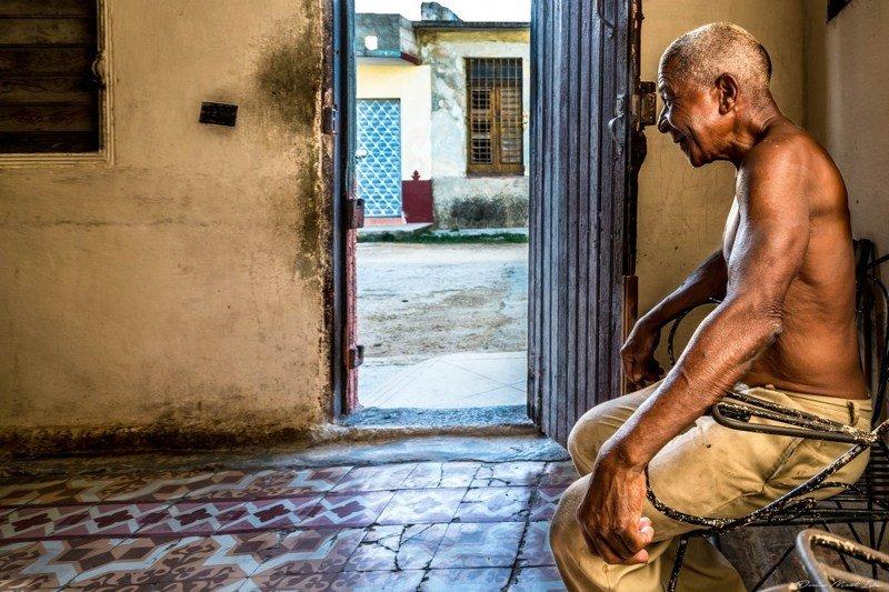 cuba, trinidad, cuban Old manphoto preview