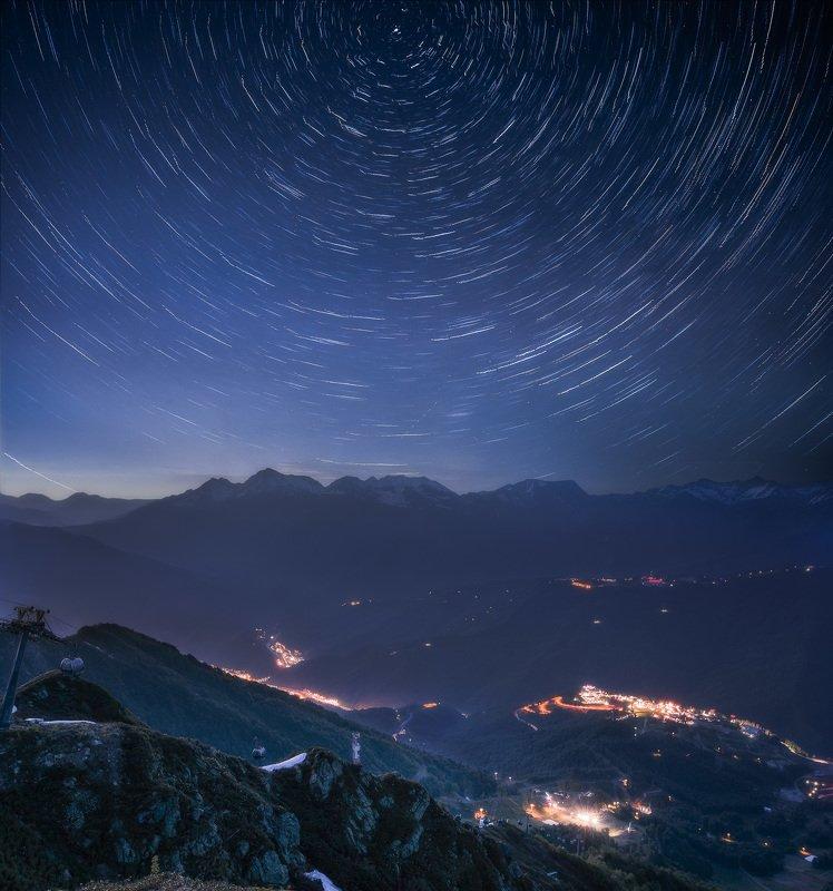 сочи, красная поляна, роза хутор, ночь, звезды, звездные треки, ночное небо, лето, природа, пейзаж, горы, кавказ Ночь над Кавказомphoto preview