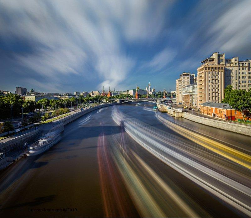 москва, река, облака, кремль, длинная выдержка Движениеphoto preview