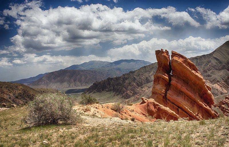 кыргызстан, горы Один день из жизни летаphoto preview