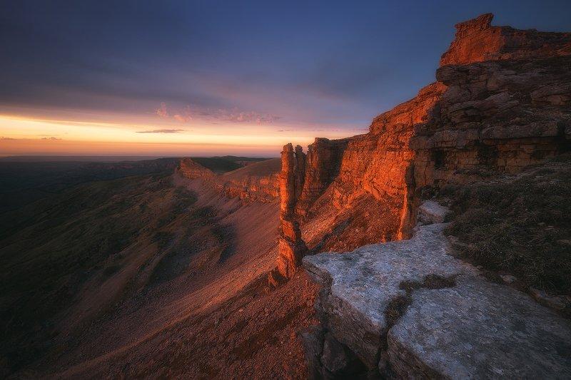 бермамыт, карачаево-черкессия, горы, пейзаж, закат Два братаphoto preview