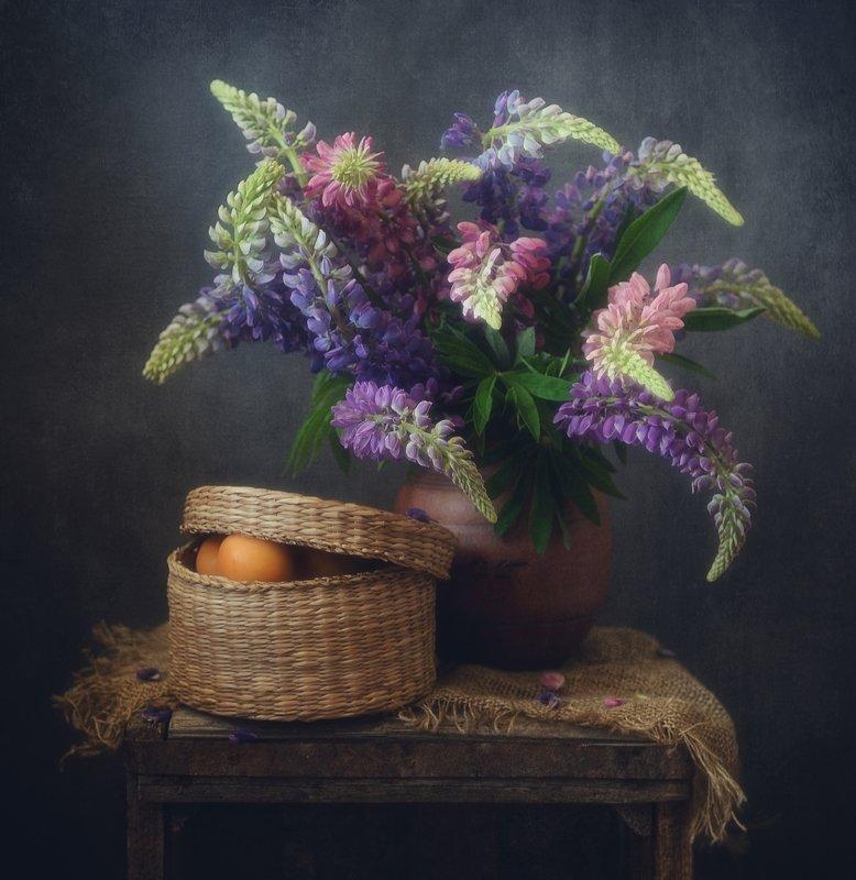 натюрморт,люпины,цветы,абрикосы ...photo preview