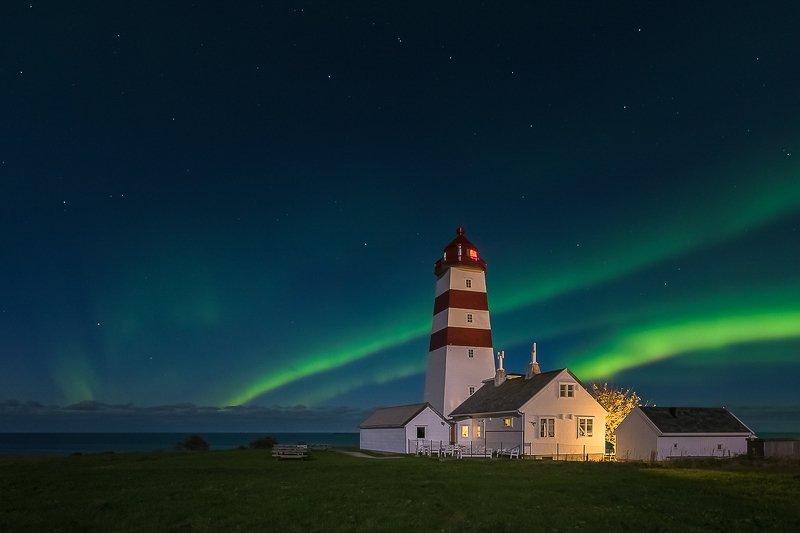 norway,aurora,light,lighthouse,night Lighthousephoto preview