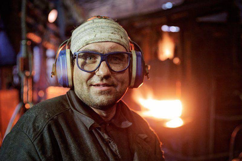 завод, кузнецы, рабочие Кузнечное делоphoto preview