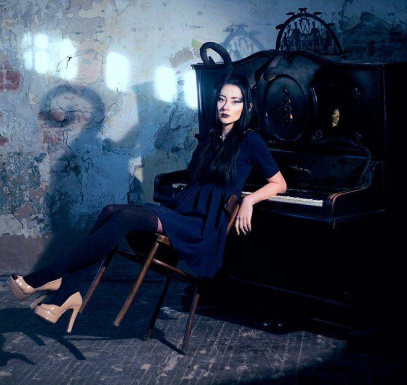 girl, devil, piano, dark ***photo preview