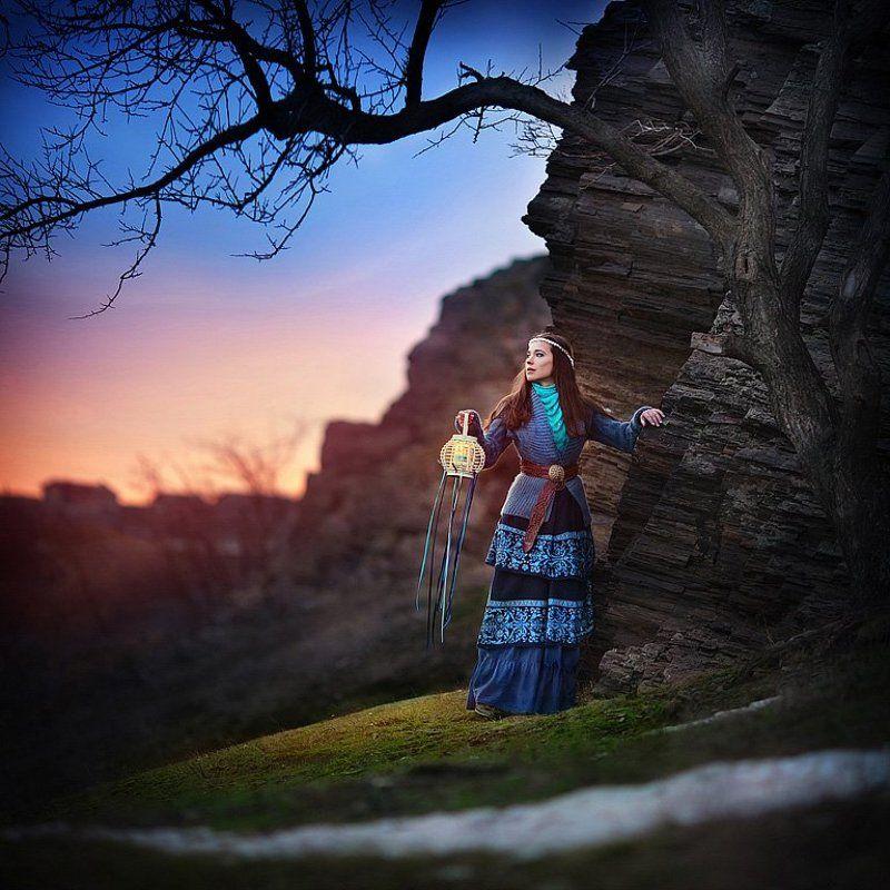 весна, зима, фото, фотосессия, девушка, жена, природа, скалы, фонарик Прощай, зима!photo preview