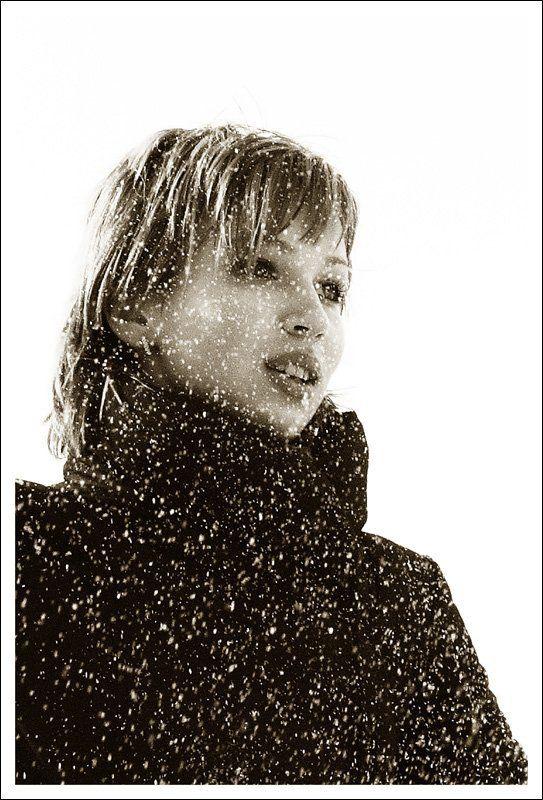 снег Снежная королеваphoto preview