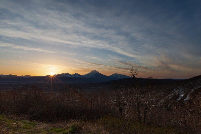 Камчатка, вулкан, весна, восход На восходе дня photo preview