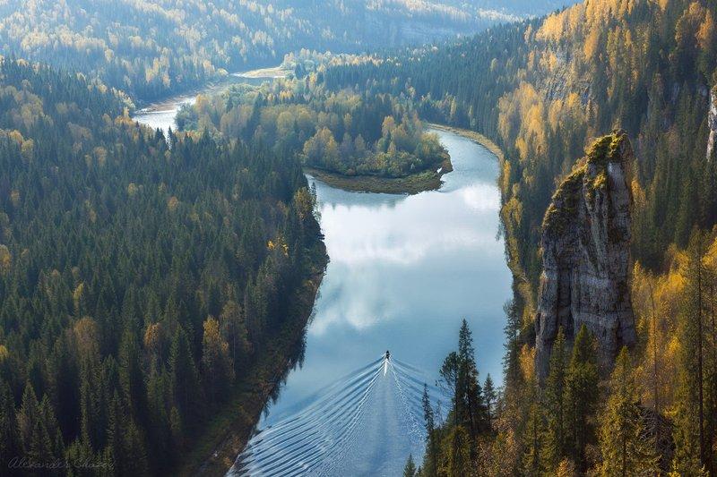 пейзаж, осень, река, лес, тайга, скалы, россия, отражение, природа, урал Усьвинские столбы осеньюphoto preview