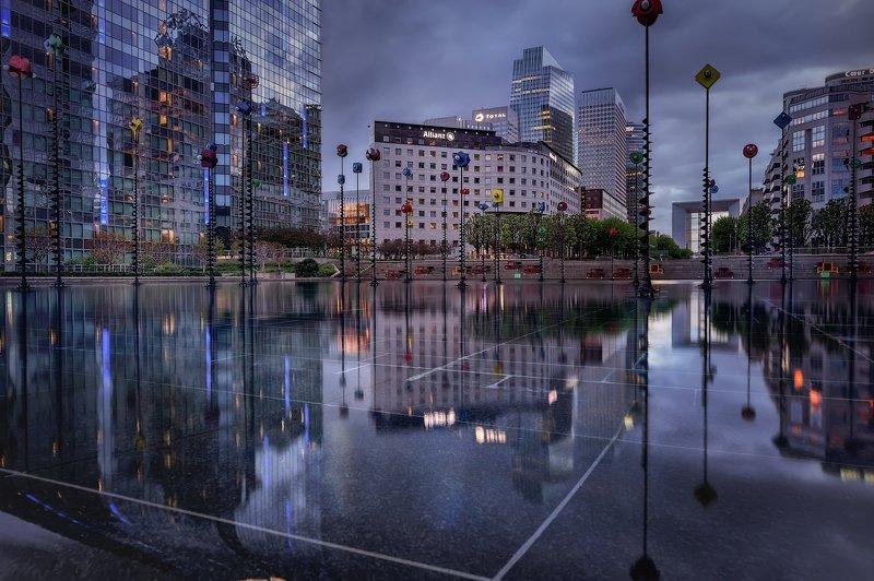 город,небоскрёбы,архитектура,район,бассейн,отражения,огни,вечер Вечерний город.photo preview