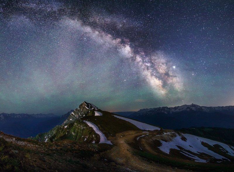 сочи, красная поляна, роза хутор, ночь, звезды, млечный путь, ночное небо, лето, природа, пейзаж, горы, кавказ Млечный путь и Каменный столбphoto preview