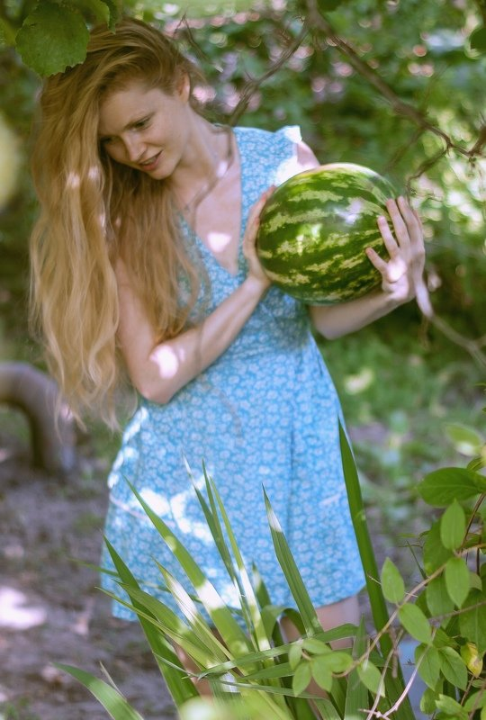 Спелый плод)photo preview