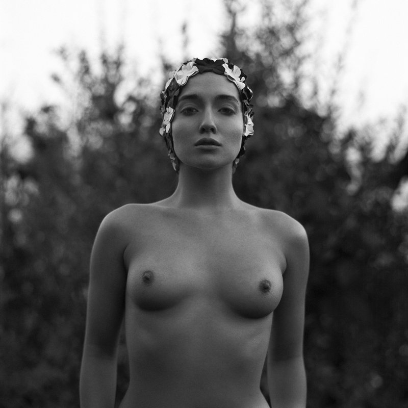 akt, nude, analog, hasselblad, ninoveron, topless, bw, 6x6, women, Olaphoto preview