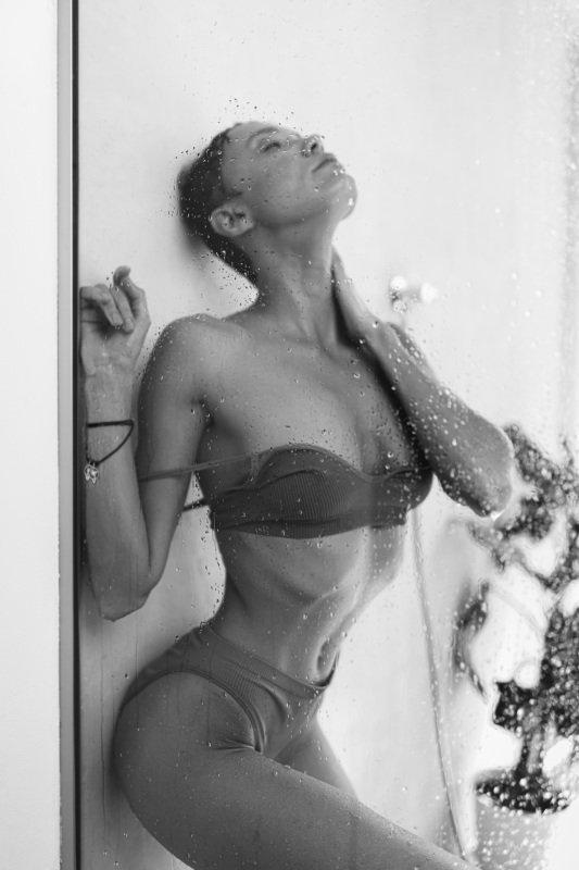 chucha girl model russian nude flash light bath Chuchaphoto preview