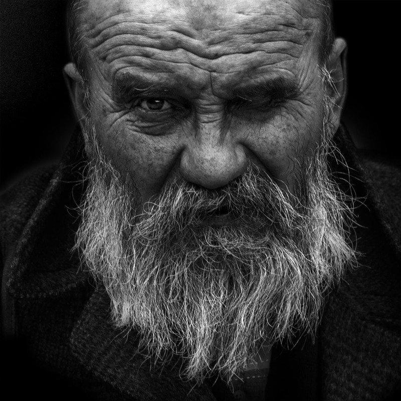 портрет юрий_калинин лица черно_белое юрец уличная_фотография люди подозрительный прищурphoto preview