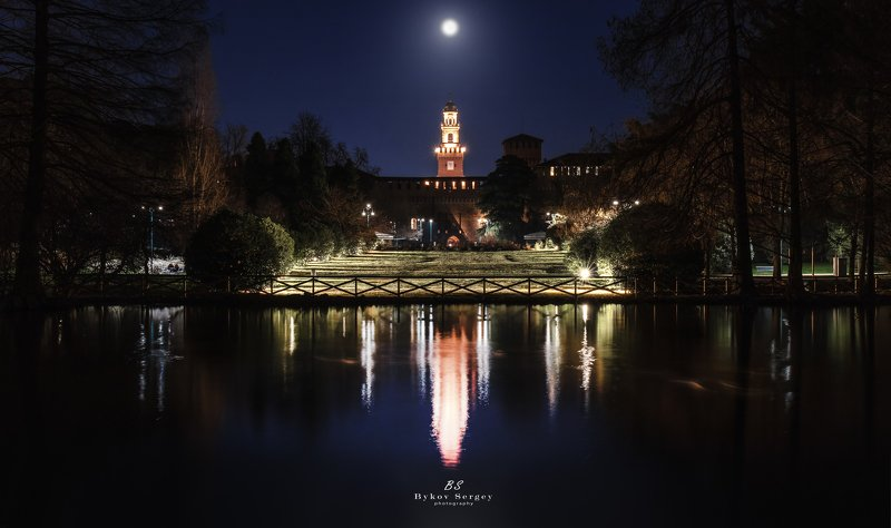 #milan Ночной паркphoto preview