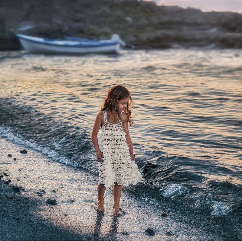 девочка, мореходка,закат Мореphoto preview