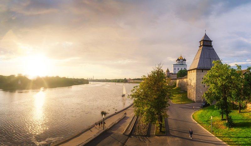 псков, россия, лето, закат, парусник, троицкийсобор Лето в Псковеphoto preview