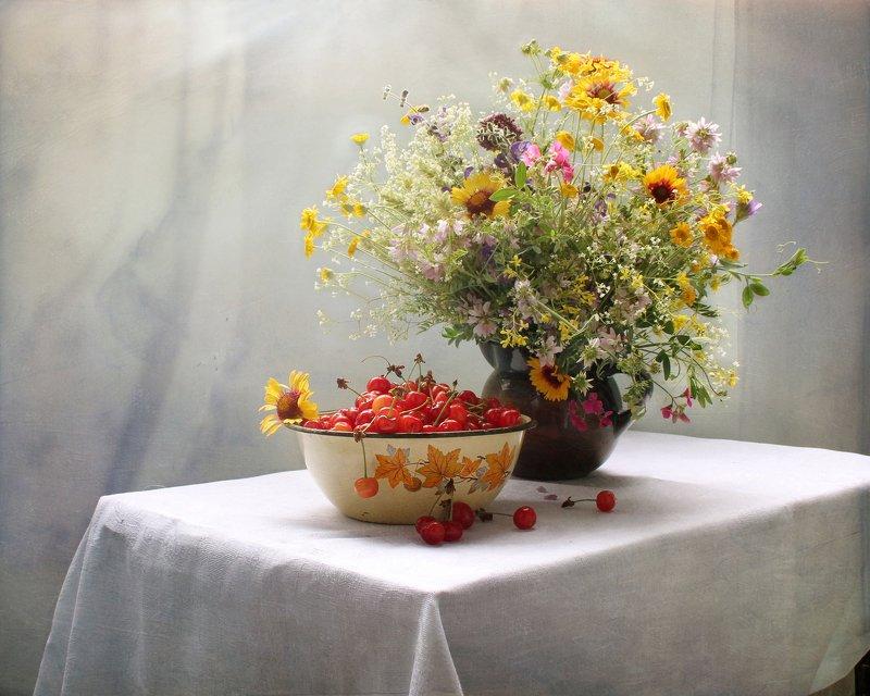 композиция, натюрморт, вишня, цветы, кот Про вишню фото превью