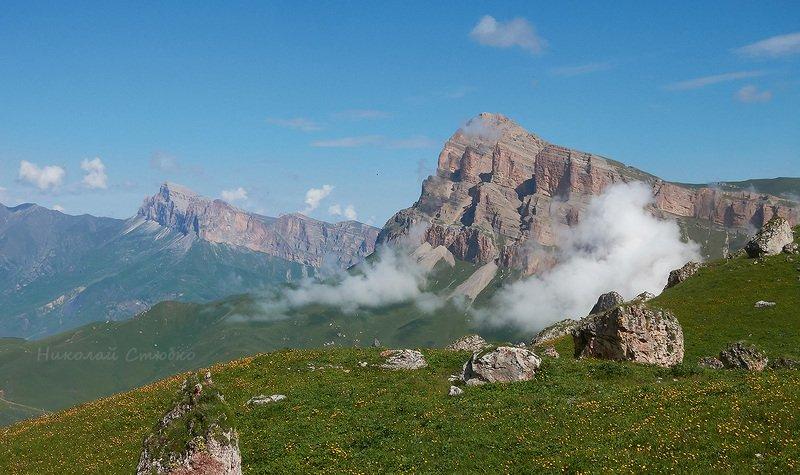 кавказ горы мехтыген балкария облака Облако - белогривая лошадкаphoto preview