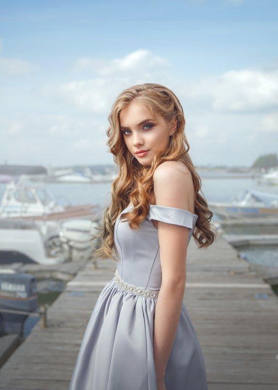 яхты, море, голубое платье, мечта, приключения В мечтах о приключенияхphoto preview
