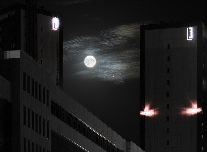 Луна, Юпитер, полнолуние, планета, спутник, ночь, астрофото, небо, ночное небо, облака Затерянная Лунаphoto preview