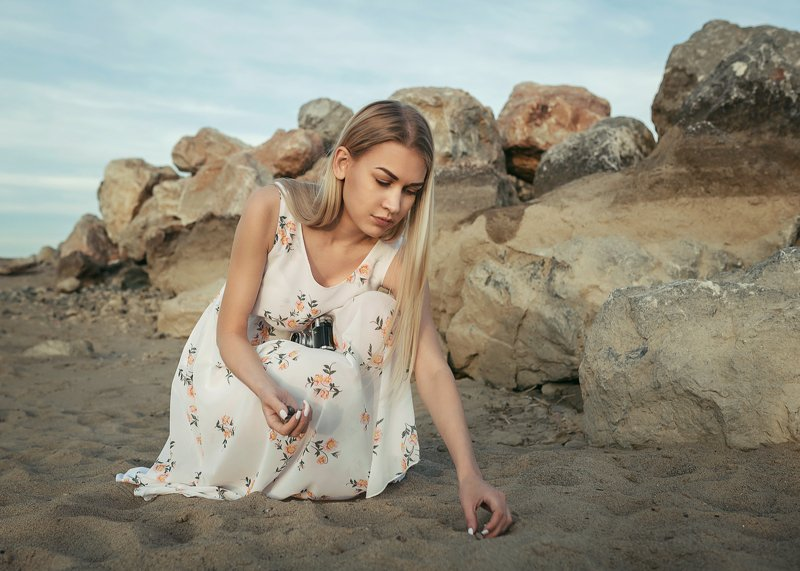 на берегу, фотопрогулка, фотозарисовка, фотоистория, девушка на берегу, на море Лераphoto preview