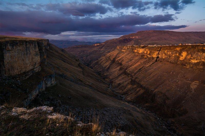 природа, пейзаж, горы, кавказ, природа россии, дикая природа, рассвет, свет, облака, утро, весна, Утро на Хунзахском каньонеphoto preview