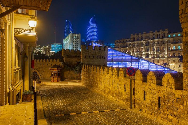Баку, Азербайджан, город, крепость, стена, старое и новое Старое и новоеphoto preview