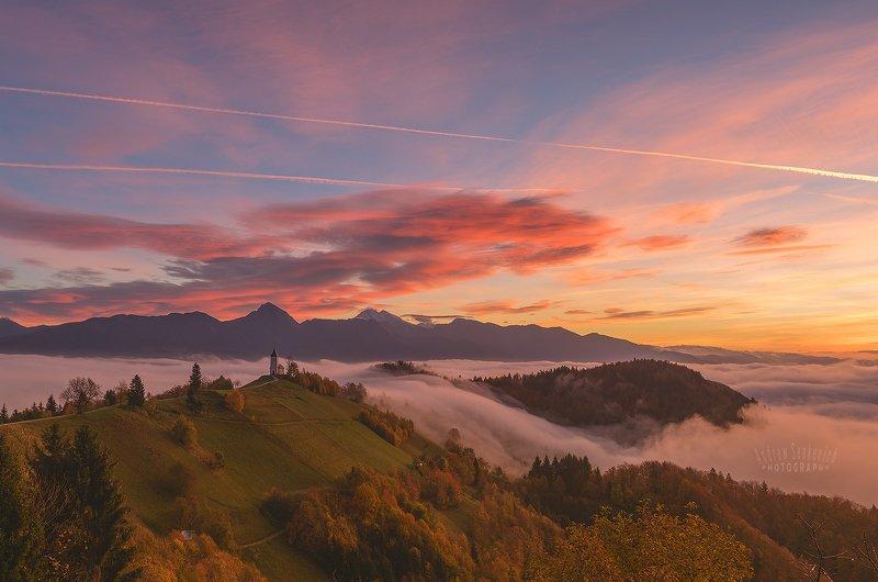 Jamnik, Slovenia, рассвет, туман Самый лучший день... =)photo preview