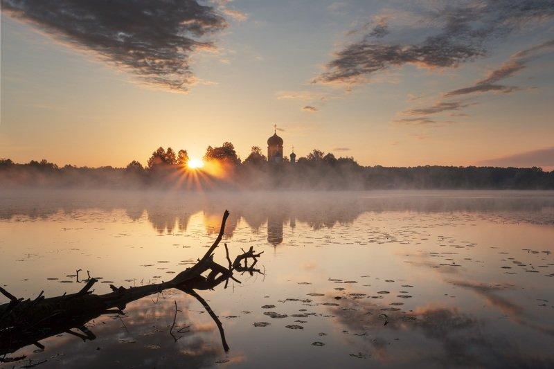 озеро, рассвет Введенскоеphoto preview