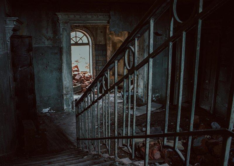 апокалипсис, дом, лестница, мрак, разруха, этаж house with the ghostsphoto preview