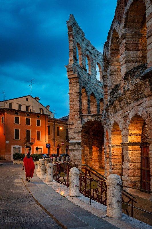 italy, italian, italia, verona, arena, arenadiverona, veneto, италия, верона, арена, urban, night, bluehour Arena di Veronaphoto preview