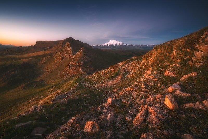 бермамыт, эльбрус, карачаево-черкессия, горы, пейзаж, рассвет Малый Бермамыт и Эльбрусphoto preview