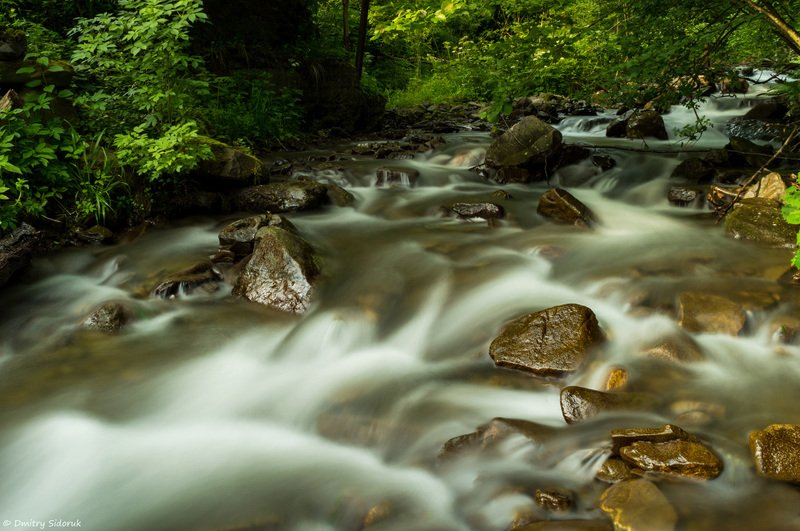 Свежесть горной рекиphoto preview