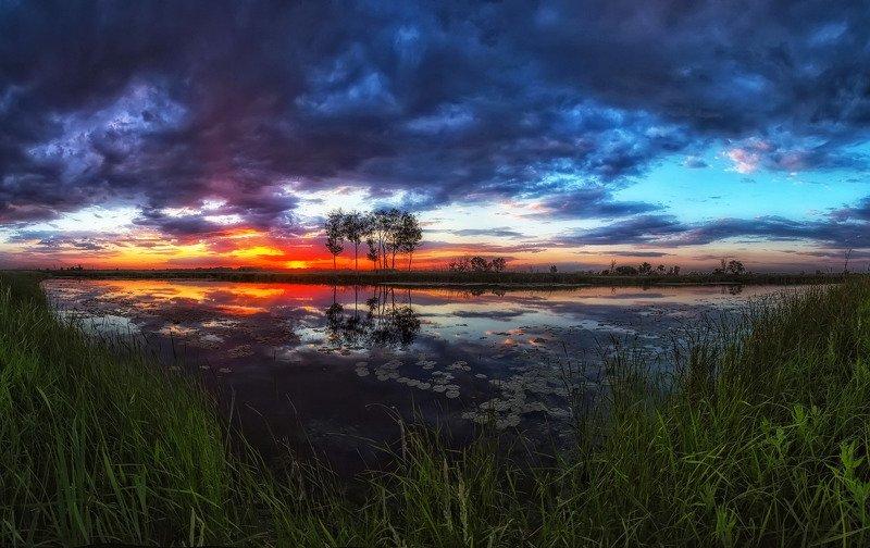 Тихий вечер на озереphoto preview