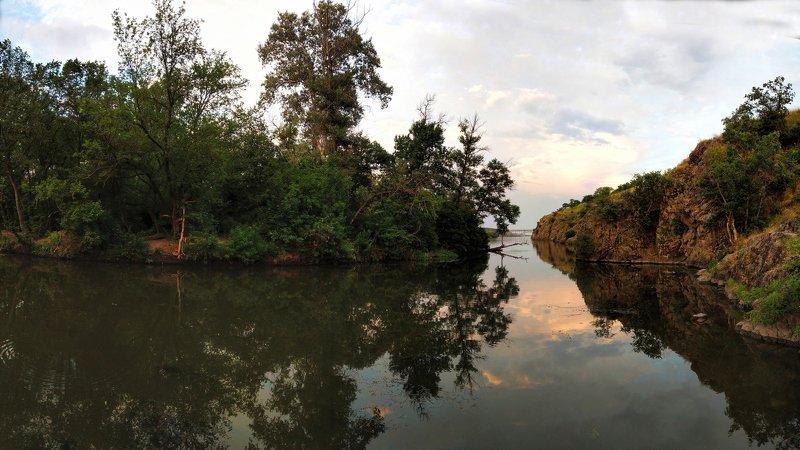 пейзаж,скалы,берег,река,закат, Тихий вечерphoto preview
