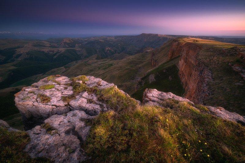 бермамыт, плато, карачаево-черкесия, горы, пейзаж, рассвет Утренние краски древнего платоphoto preview