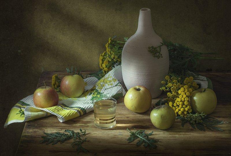 натюрморт,лето,яблоки,пижма,стопка Летоphoto preview