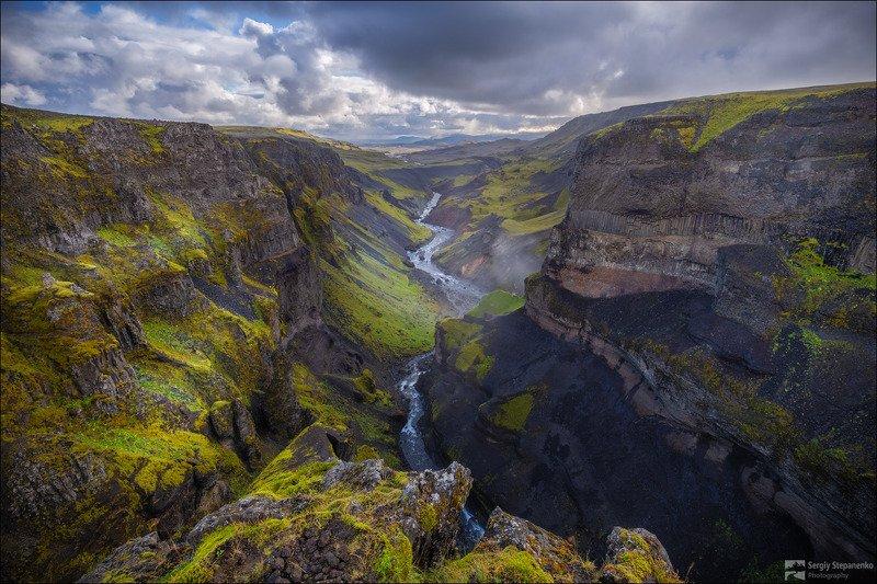На краю каньонаphoto preview